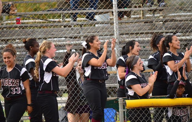 Softball sweeps Huston-Tillotson in home opener